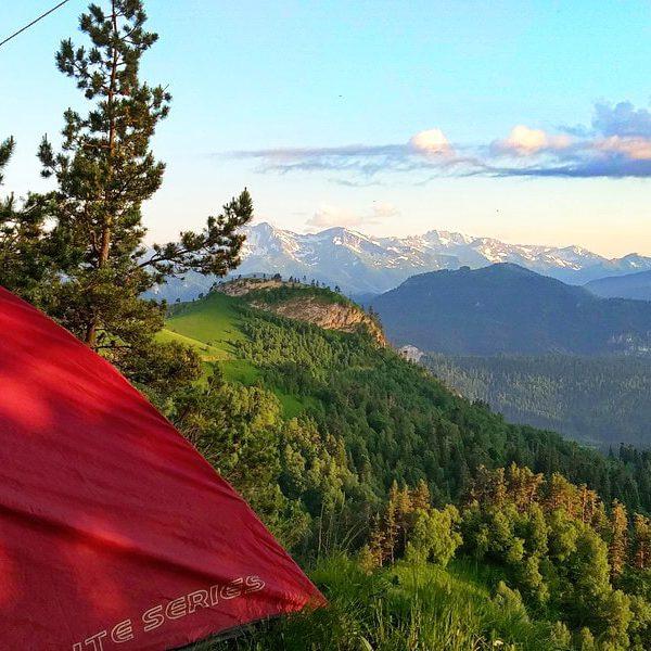 Вид из палатки в горах