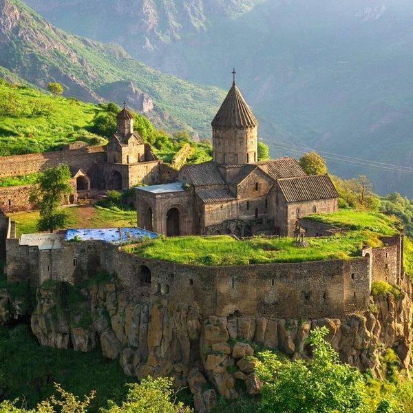 Храмы и монастыри Армении)