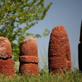 Вишапы - драконовы камни