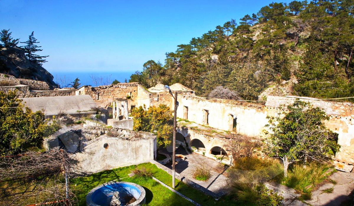 Сурб-Магар, армянский монастырь на Северном Кипре