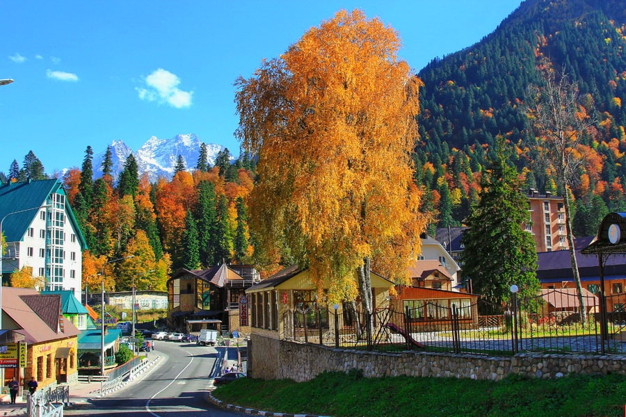 Курортный посёлок Домбай